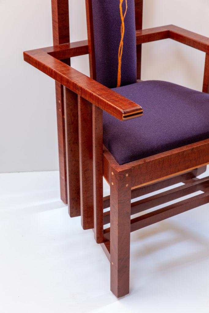 dignitaries chair
